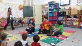 Teatro conscientiza crianças sobre a prevenção contra a dengue