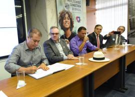 PL reduz burocracia para aprovação de construções e valoriza profissional