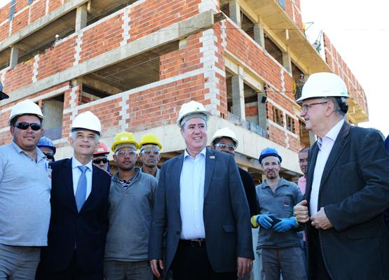 Governador e prefeito fazem visita técnica às obras do AME e do CAPS ... 4bb3271e673