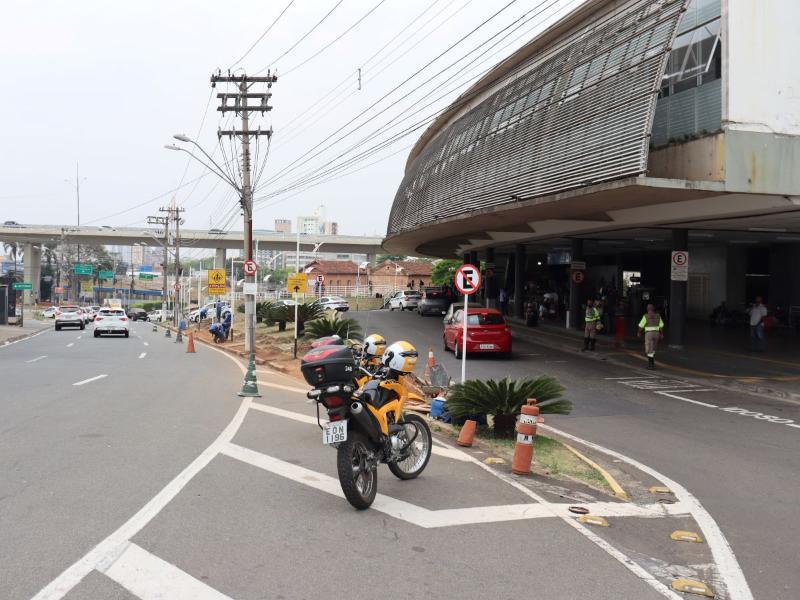 Foto: As vagas poderão ser usadas por até 15 minutos e ajudarão a evitar congestionamentos | Crédito: Emdec/Setransp
