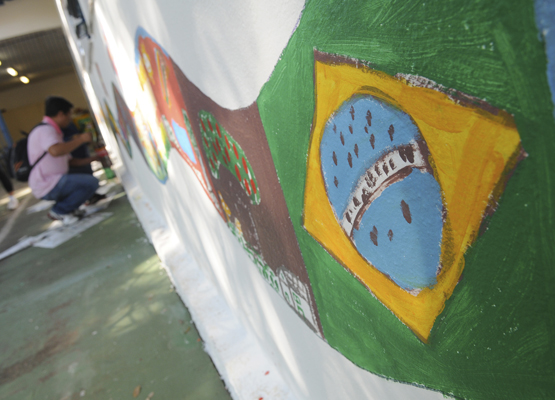 Foto: Bandeira do Brasil foi um dos desenhos pintados na  | Crédito: Rogério Capela